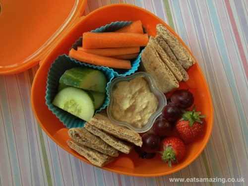 Eats Amazing - Pitta bread & houmous lunch in IKEA cute dog lunchbox