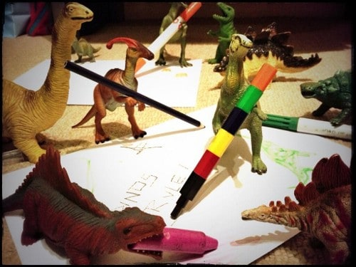 Eats Amazing -#dinovember day 5 - the dinosaurs are getting arty