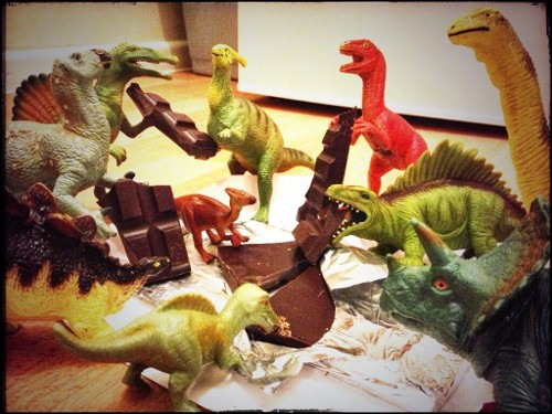 Eats Amazing -#dinovember day 7 - Hungry dinosaurs are raiding the chocolate