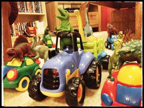 Eats Amazing -#dinovember day 10 - A dinosaur traffic jam
