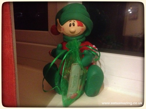 Elf brings a special surprise - magical elf seeds and a little note with instructions  #elfontheshelf #christopherpopinkins