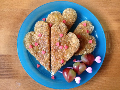 Eats Amazing - simple heart themed breakfast in bed - #Valentines Day