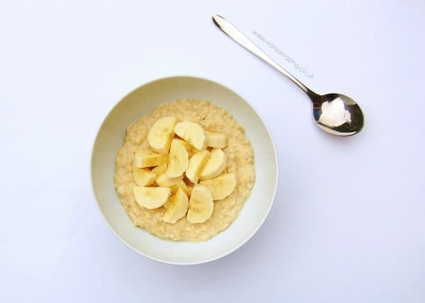 Eats Amazing - Ideas for healthy breakfasts that are all free from refined sugar - porridge with chopped banana