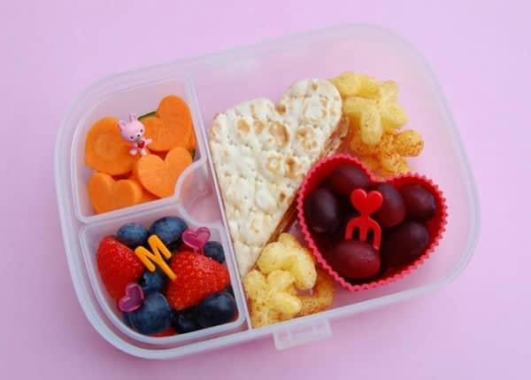 Eats Amazing - Heart themed lunch in the Munchkin Clock Lock Bento Mealtime Set plus review and giveaway