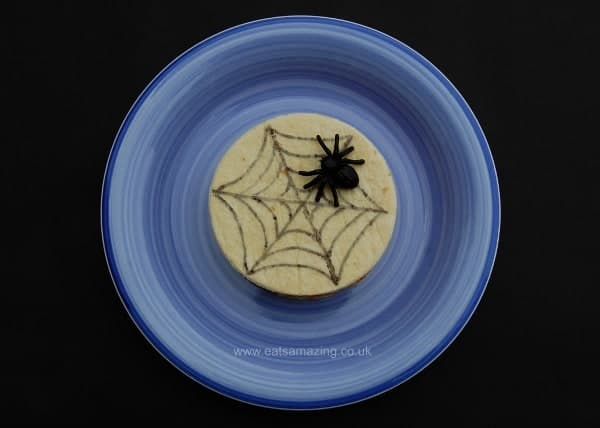 Eats Amazing UK - 10 Fun Sandwich Ideas for the Kids this Halloween - Edible Spider Web Sandwich