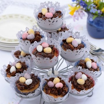 Easter Nest Cupcakes Recipe - Chocolate crispy nest and cupcake in one - lovely treat for Easter