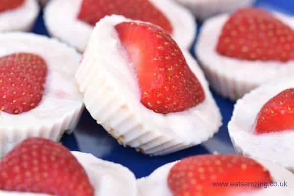 Gorgeous Strawberry Granola Frozen Yoghurt Bites - great for breakfast snack time or dessert - super simple recipe for kids