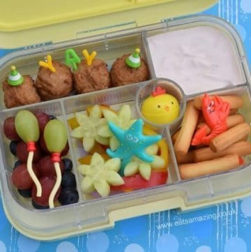 Simple but fun kids bento lunch idea to celebrate the last day of term from Eats Amazing UK