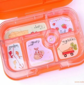 Yumbox UK bento box review from Eats Amazing UK - kids bento box with compartments - leakproof lunch box