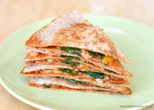 Easy vegetarian pizza quesadilla recipe - a quick and healthy lunch idea that is ready in just 5 minutes - Eats Amazing