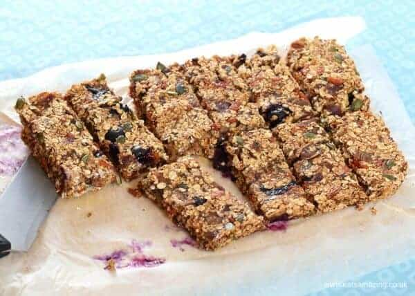 Super healthy granola bar recipe - sugar free dairy free and nut free - great healthy snack for refuelling the whole family