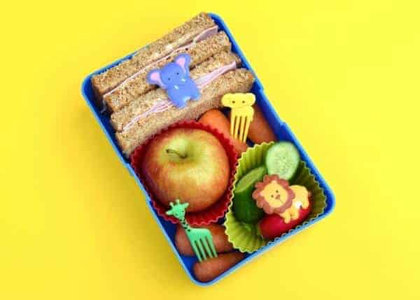 Simple sandwich bento lunch from Eats Amazing UK - What is bento - How to Make a Bento blog series