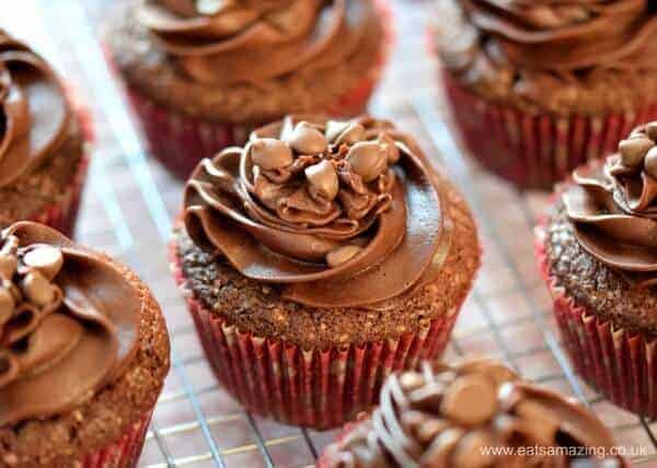 Deliciously easy chocolate cupcakes recipe with chocolate buttercream icing and a chocolate melting middle - Eats Amazing UK