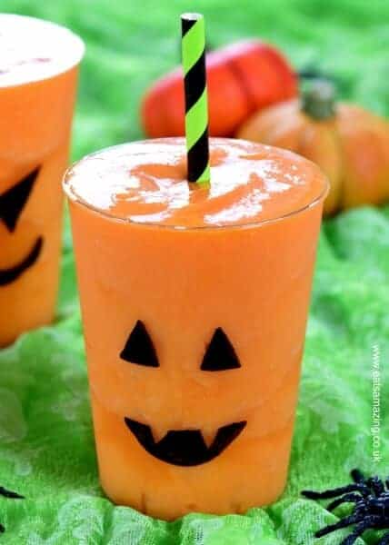 Easy Jack O Lantern Smoothies for Halloween - Kids will love this fun Halloween drink - perfect for a healthy Halloween - Eats Amazing UK