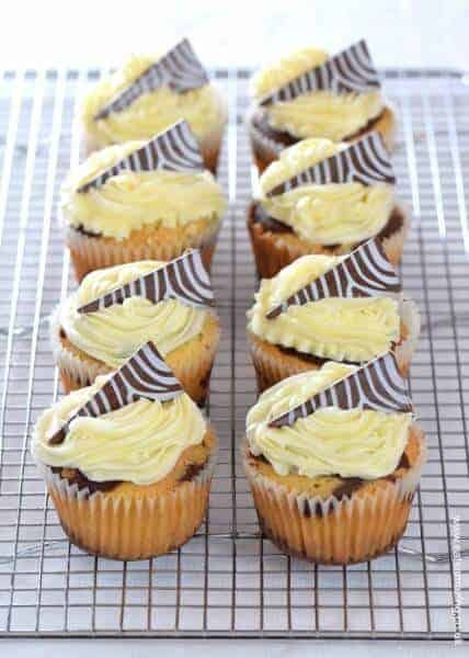 Easy zebra cupcakes - delicious vanilla and chocolate cupcake recipe with zebra stripes inside and out - Eats Amazing UK
