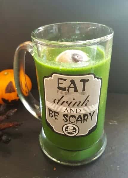 Eyeball green smoothie - Fun and healthy Halloween drink for kids from Babyled Blog