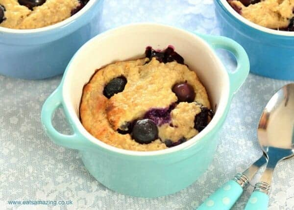 Fruity baked oats recipe - a delicious easy breakfast recipe for kids and adults too - perfect for cold mornings - Eats Amazing UK