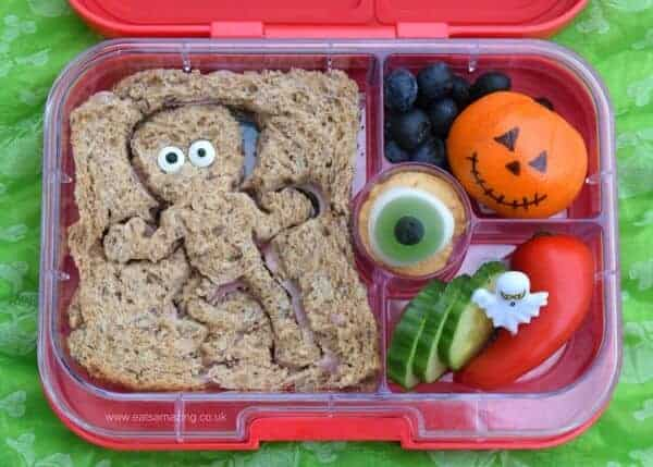 Fun Frankenstein monster themed bento lunch for Halloween - fun and healthy kids lunch idea from Eats Amazing UK
