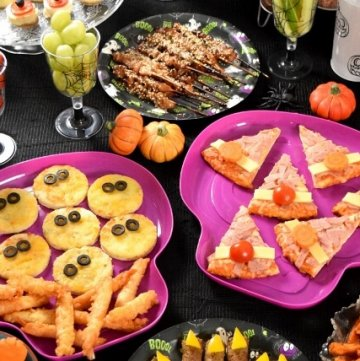 Spooky Halloween feast with easy Iceland party food hacks - fun and creative party food ideas for kids from Eats Amazing UK