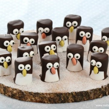Cute and easy marshmallow penguins recipe - fun penguin themed food idea for kids from Eats Amazing UK