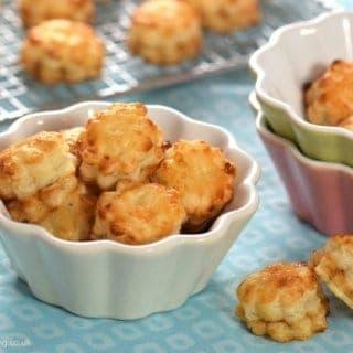 Mini Mince Pie Puffs Recipe
