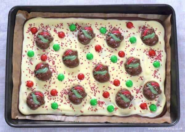 Easy double chocolate Christmas bark recipe - easy recipe for kids - perfect for homemade gifts from Eats Amazing UK