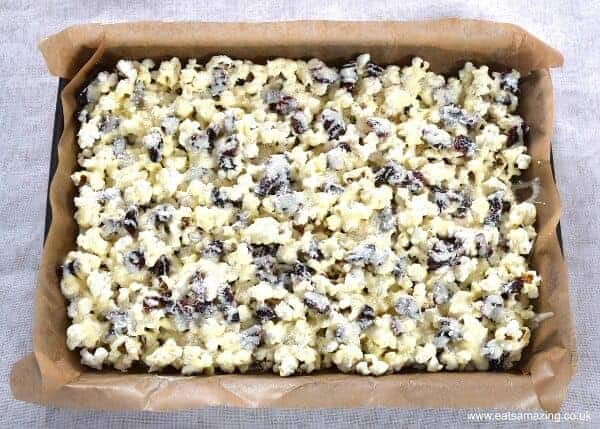 How to make Cranberry White Chocolate Popcorn - Easy treat recipe - perfect for a festive family movie night from Eats Amazing UK