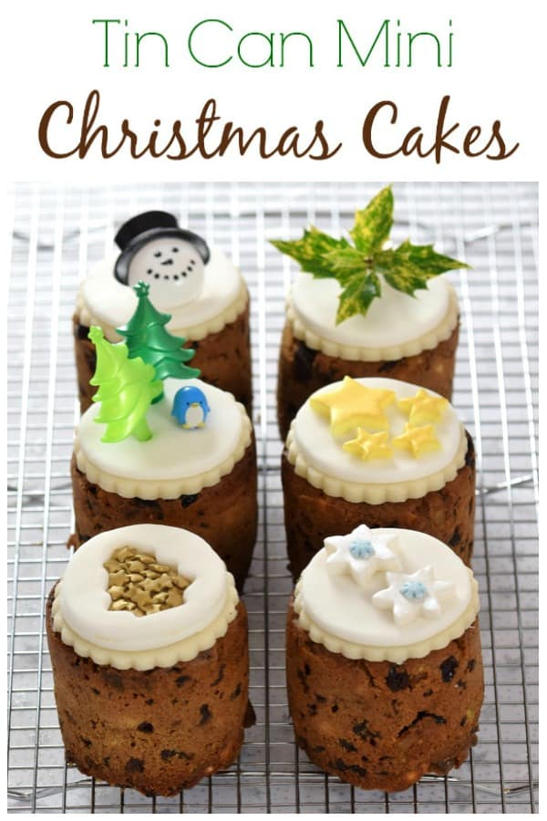 How to make mini christmas cakes in tin cans recipe - use mini baked bean tins to bake these cute little cakes - great homemade gift idea #EatsAmazing #ChristmasFood #ChristmasCake #Christmas #funfood #cakedecorating #fruitcake #cake #cakerecipes #minicake #giftideas #christmasgifts #DIYGift #DIYChristmas #recipe