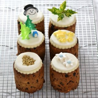 Tin Can Mini Christmas Cakes