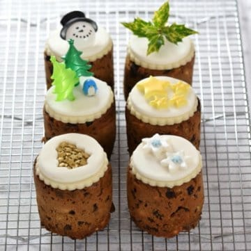 Mini Christmas cakes made in baked bean tins - easy recipe and instructions from Eats Amazing UK