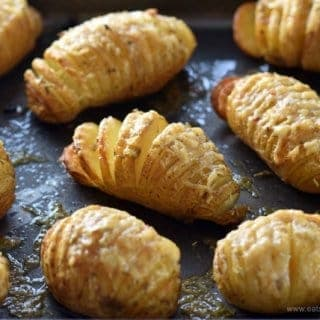 Mini Hasselback Potatoes with Garlic & Cheese