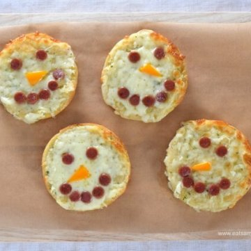 Easy Cheesy Snowman Garlic Pizza Breads Recipe