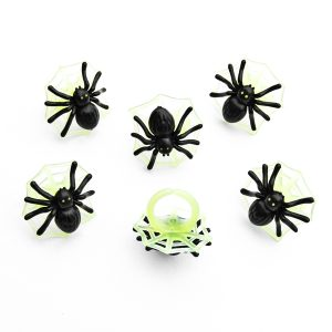 Glow in the dark spider Halloween cupcake rings from the Eats Amazing UK Shop