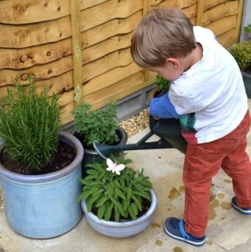 12 Brilliant Reasons to Grow Food with Kids