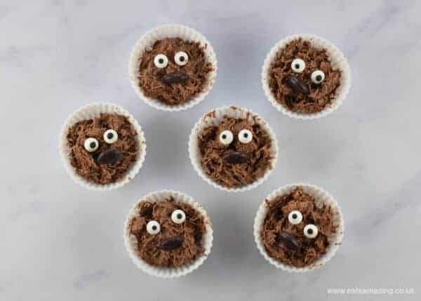 Fun and easy Star Wars themed snacks for kids - perfect for Star Wars party food and after school snacks - Eats Amazing UK - Wookiee Chocolate Crispy Cakes