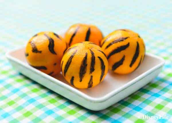 How to make a fun Winnie the Pooh themed picnic with DisneyLife - Tigger Clementines