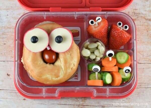 Quick and easy funny face bagel lunch box - make your kids smile when they go back to school with this fun bento lunch idea