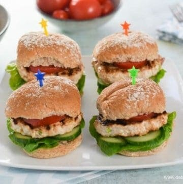 Quick and Easy Homemade Turkey Apple Burgers Recipe - Just 5 ingredients and Kid Friendly - great family friendly meal idea from Eats Amazing UK