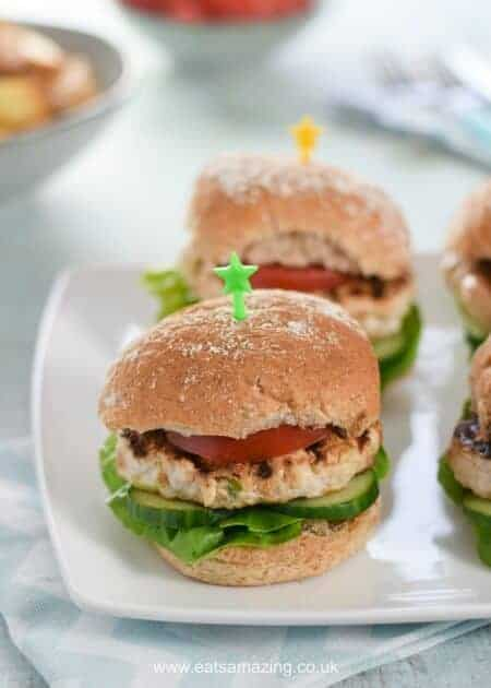 Really easy Homemade Turkey and Apple Burgers Recipe - Just 5 ingredients and Kid Friendly - great family friendly meal idea from Eats Amazing UK