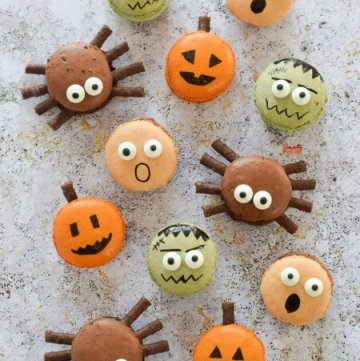 Easy Halloween Macarons - perfect fun food dessert for Halloween party food - with pumpkin spider frankenstein and screaming macaron designs