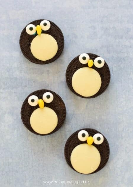Quick and easy cute oreo penguins recipe - a fun snack treat or dessert topper for Christmas - fun food for kids from Eats Amazing UK