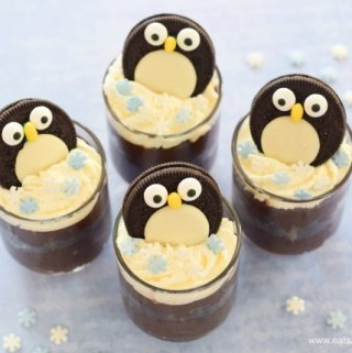 Yummy Chocolate Mint Avocado Mousse recipe with cute Mint Oreo Penguin decorations - quick easy and fun dessert from Eats Amazing UK