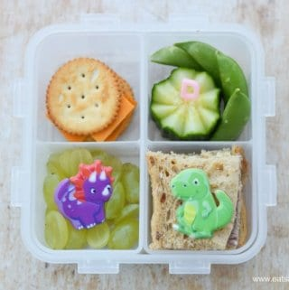 Quick and easy dinosaur themed packed lunches for a preschooler- simple but fun bento lunch ideas from Eats Amazing UK