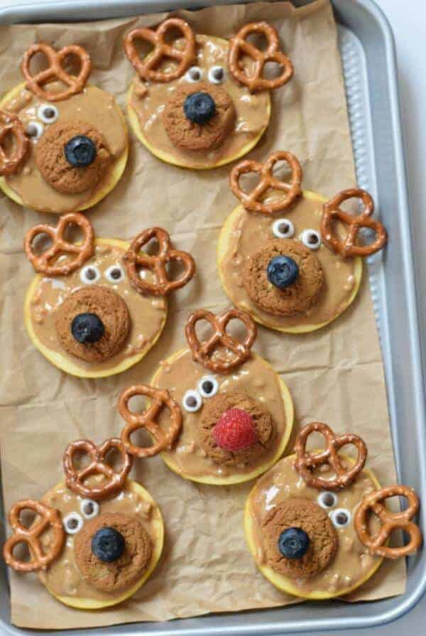 25 Fun Reindeer Themed Foods for Kids this Christmas - Reindeer Apple Slices from Fork and Beans