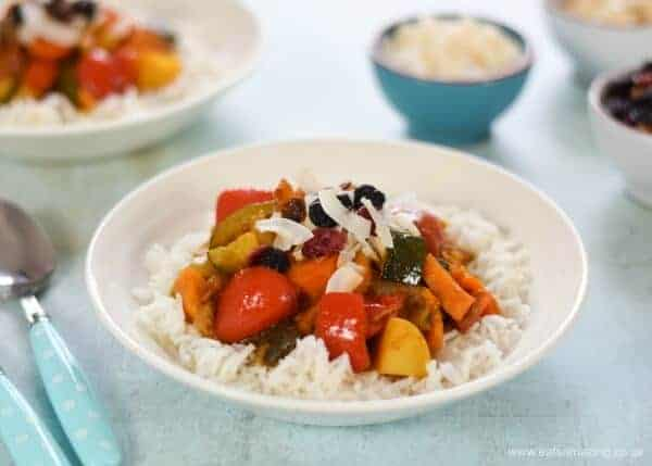 Easy vegetable curry recipe - child friendly and great for a quick weeknight family meal - Eats Amazing UK