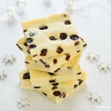 Easy 3 Ingredient Cranberry White Chocolate Fudge Recipe