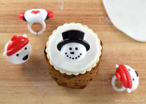 Tin Can Christmas Cakes - how to decorate mini Christmas cakes - 6 fun designs from Eats Amazing UK - Snowman Cupcake Ring