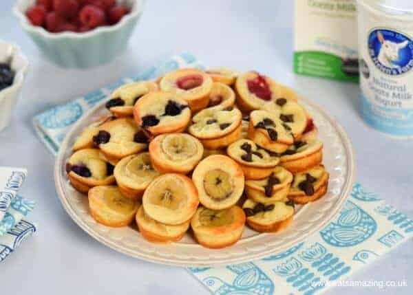 Easy oven baked yogurt pancake bites recipe - healthy family friendly breakfast idea from Eats Amazing UK