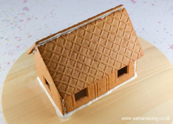 How to make an Easter gingerbread house - Step 1 assemble the house with royal icing