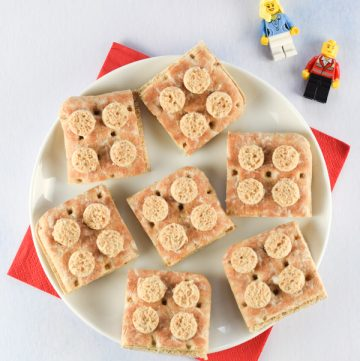 Fun and easy Lego sandwiches - perfect for healthy birthday party food for kids - Eats Amazing UK
